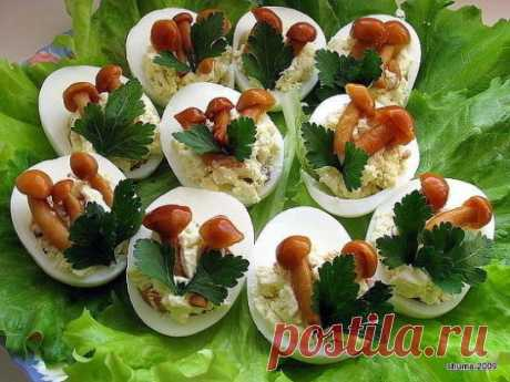 Фаршированные яйца. 25 вариантов начинки.