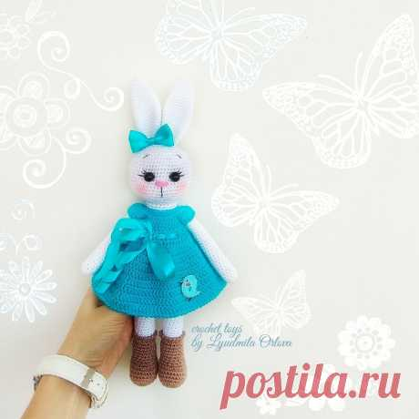 PDF Зайки подружки. FREE amigurumi crochet pattern. Бесплатный мастер-класс, схема и описание для вязания игрушки амигуруми крючком. Вяжем игрушки своими руками! Кролик, заяц, зайчик, зайка, rabbit, hare, bunny. #амигуруми #amigurumi #amigurumidoll #amigurumipattern #freepattern #freecrochetpatterns #crochetpattern #crochetdoll #crochettutorial #patternsforcrochet #вязание #вязаниекрючком #handmadedoll #рукоделие #ручнаяработа #pattern #tutorial #häkeln #amigurumis
