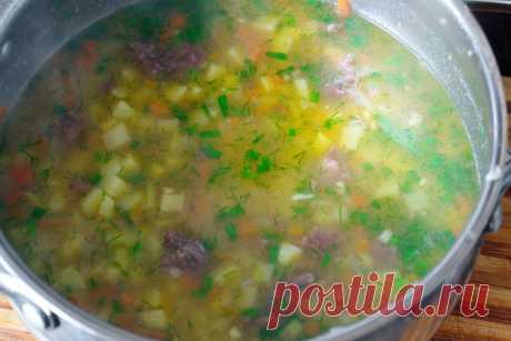 Готовлю этот густой суп с тушенкой, когда совсем нет времени | Домашняя кухня | Яндекс Дзен