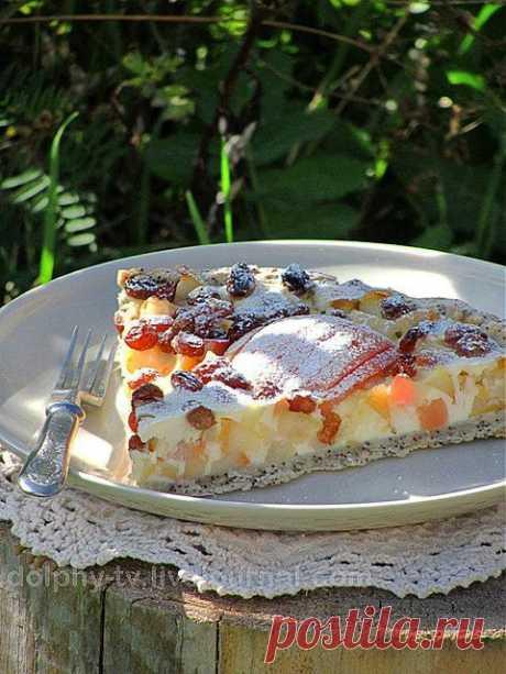 Яблочный пирог (основа на белом вине с маком).