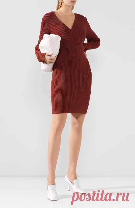 Женское коричневое платье BOTTEGA VENETA — купить за 211500 руб. в интернет-магазине ЦУМ, арт. 618640/VKSD0