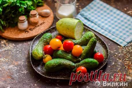 Ассорти из огурцов, помидоров и кабачков на зиму - рецепт с фото пошагово