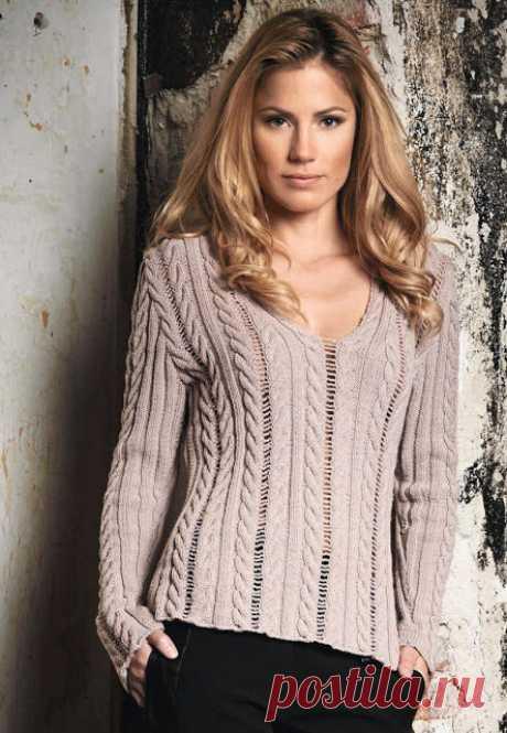 Красивый женственный пуловер спицами  ПУЛ С КОСАМИ И ЛЕГКОЙ ВОЗДУШНОЙ АЖУРНОЙ ДОРОЖКОЙ МЕЖДУ НИМИ  Кликните по картинке, чтобы увеличить её  источник