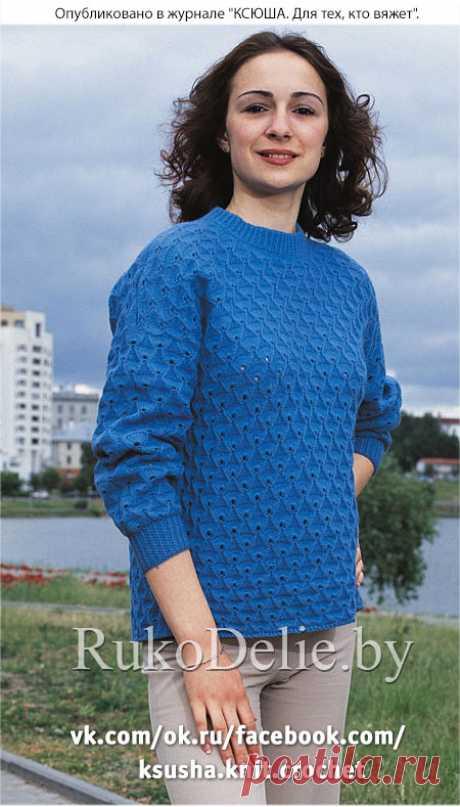 Пуловер, вязанный на спицах