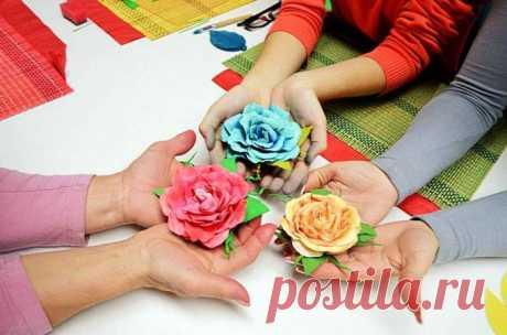 Цветы из фоамирана своими руками - мастер класс Техника работы с фоамираном. Цветы из фоама: популярные мастер-классы, выкройки и схемы.