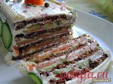 Рецепт Бутербродный торт с копченым лососем и мягким сыром с фото в домашних условиях