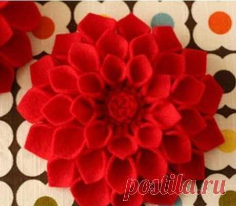 Яркий и эффектный цветок из фетра — Сделай сам, идеи для творчества - DIY Ideas