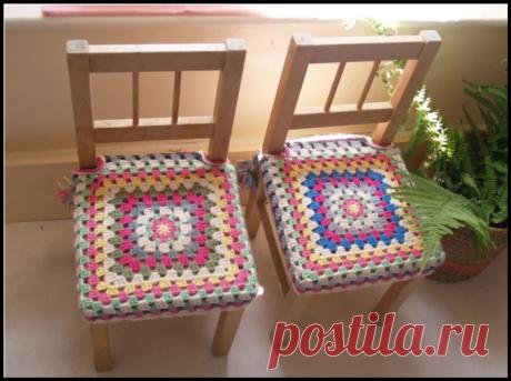 Шикарные коврики и чехлы на табуреты и стулья крючком