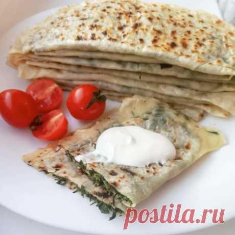 Кутабы с зеленью и сыром Кутабы с зеленью и сыром Посмотри рецепты с фото. Приготовление блюд из теста, домашние рецепты, классические рецепты есть у нас. Также можно найти рецепты в духовке, рецепты с фото пошагово и другие.