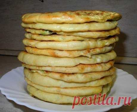 Хачапури с сыром и яйцом / Перерыв на Обед