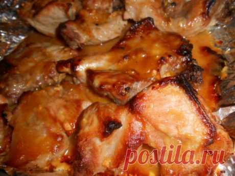 Мясо по-быстрому от Аллы Духовой. Пальчики оближешь!              Рецепт увидела в программе Смак. Готовила это мяско Алла Духова - отсюда и название. Мясо может быть любим, но у меня конкретно свиная шея, поэтому и расположила я рецепт в разделе «Блюда…