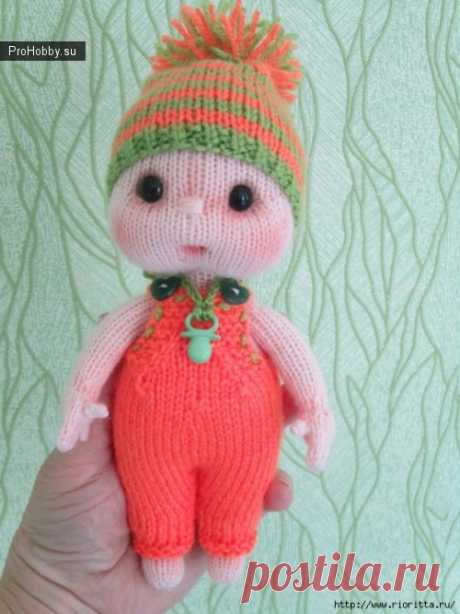 Knitted doll - baby \/ Knitting of toys \/ ProHobby.su | Knitting of toys spokes and a hook for beginners, master classes, schemes of knitting