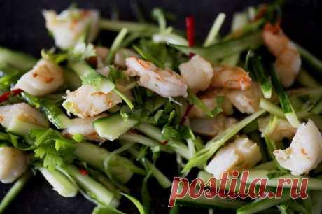 Салат из морепродуктов под соусом из лайма