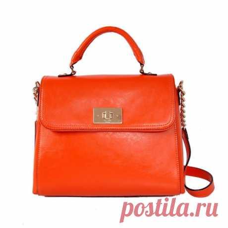 Ещё одна оранжевая сумочка, которая мне понравилась