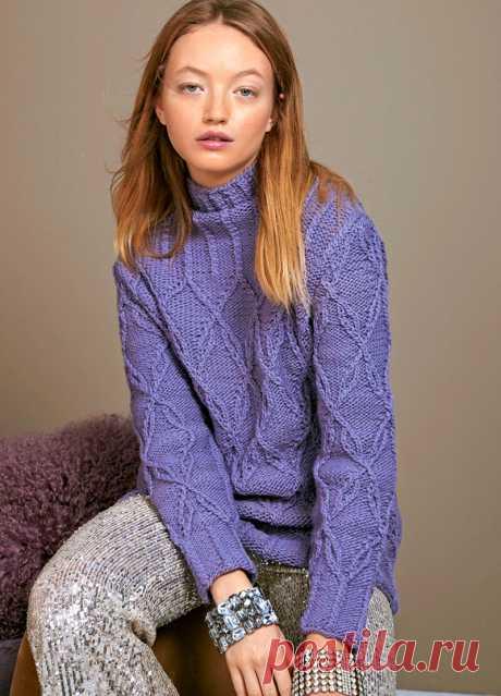 Сиреневый свитер с переплетающимся узором