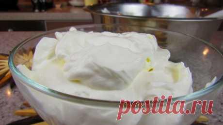 Секрет: как сделать густой крем из сметаны без загустителей для торта