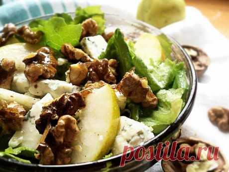 Потрясающий салат с грушей и сыром
