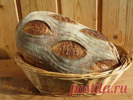 Горбушка хлеба. Хлеб Колумбия