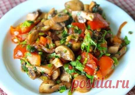 Теплый грибной салат с помидорами — Мегаздоров