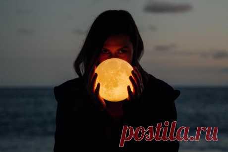 Женский календарь и лунный цикл: как планировать важные события - Школа астрологии LAKSHMI