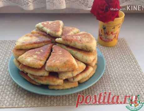 Сырно-творожные треугольники на завтрак – кулинарный рецепт
