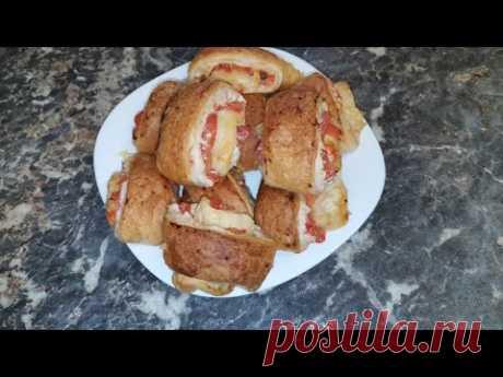 Рулетики из слоеного теста с курицей, помидорами и сыром.Просто, быстро и вкусно! Никаких заморочек! - YouTube