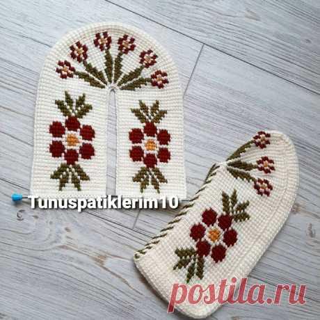 Невероятно-красивые тапочки в стиле тунисского вязания. Идеи, схемы, мастер-классы.  