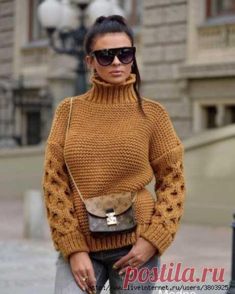 Пуловер крупной вязкой с объемными рукавами
