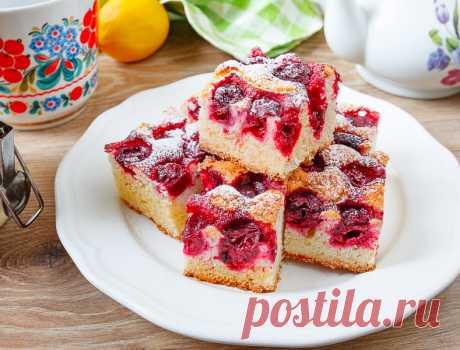 Рецепт нарезного вишневого пирога на Вкусном Блоге