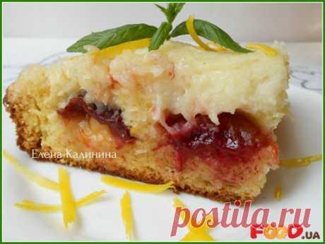Пирог со сливами и кокосовой глазурью - Кулинарные рецепты на Food.ua