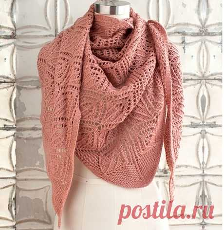 Openwork baktus (shawl) spokes of gentle-peach color - the Portal of needlework and fashion