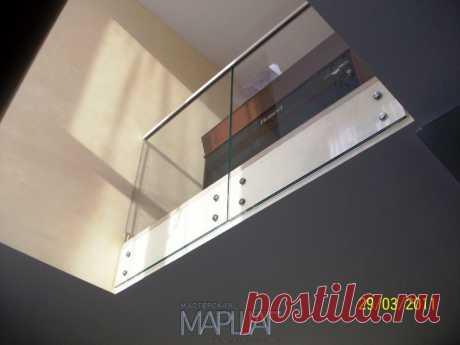 Лестницы, ограждения, перила из стекла, дерева, металла Маршаг – Самонесущие балюстрады стеклянные