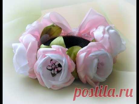 Резинка на гульку из цветов канзаши
