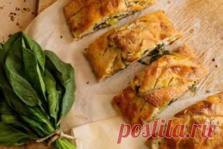 Итальянский сырный хлеб | | Кето рецепты Салями, сыр Проволоне и острый перец, завернутые в сырное тесто – отличный рецепт сытного обеда для тех, кто соблюдает диету кето. Не забываем про витамины и клетчатку – добавьте к выпечке салат из свежего шпината. В данном рецепте кето используется кокосовая мука и мука из семян льна, но подойдет, любая низкоуглеводная мука, которая у вас есть под рукой: миндальная, кунжутная.