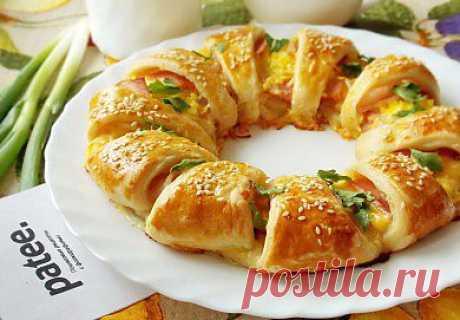 Слоеный пирог с сыром и беконом - рецепт с фотографиями