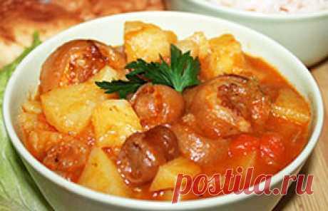 Тушеные свиные хвостики с картошкой - рецепт с фото