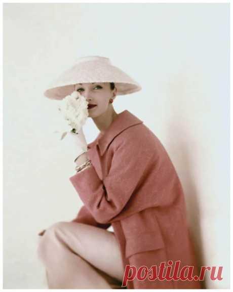 Evelyn Tripp  March Vogue 1956  Photo Karen Radkai