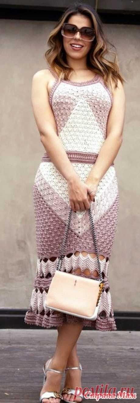 Шедевр-платье от Ванессы Монторо Очередной шедевр от Ванессы Монторо -чудесное летнее платье связанное несколькеими геометрически расположенными друг к другу красивыми узорами Юбка как вариант.