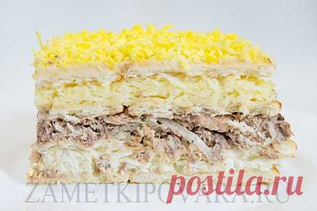 Snack cake from crackers with tinned fish | Simple culinary recipes with photos