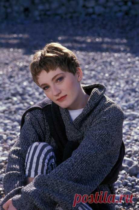 Сегодня, 5 декабря,2020, Патрисия Каас отмечает 54-й день рождения.  Французский шарм Патрисии Каас  «Я никогда не считала себя особенно красивой»  Немка по происхождению, но истинная француженка по стилю, эта женщина является настоящим воплощением парижского шика и идеалом женственности и сексуальности. Именно она в 1999 году была признана самой лучшей и привлекательной певицей Франции современной эпохи. Эта женщина уж точно знает толк в красоте – ведь с 2008 года она является...