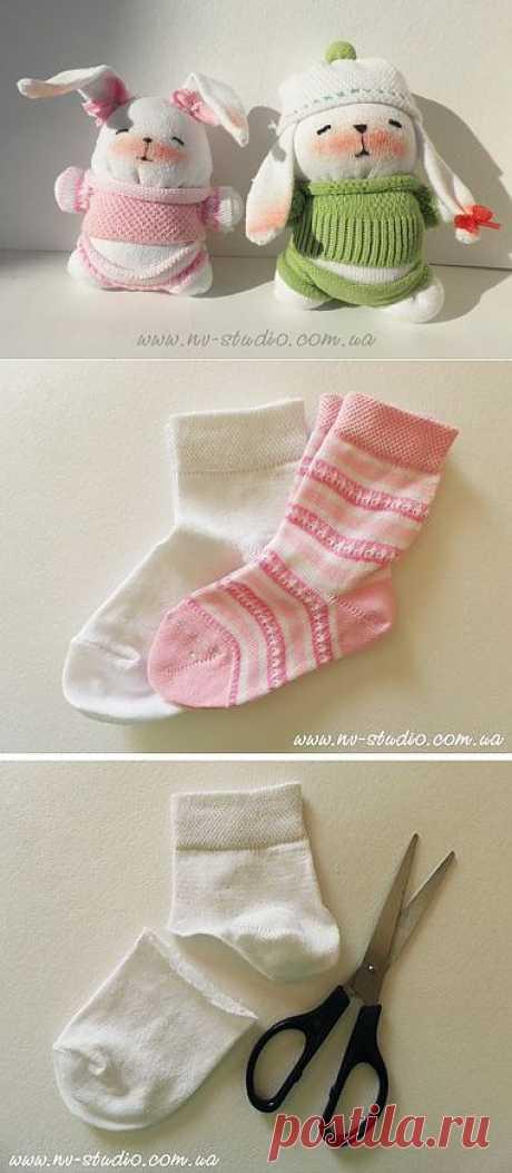 Зайки из носков. Фото мастер-класс / Разнообразные игрушки ручной работы / PassionForum - мастер-классы по рукоделию