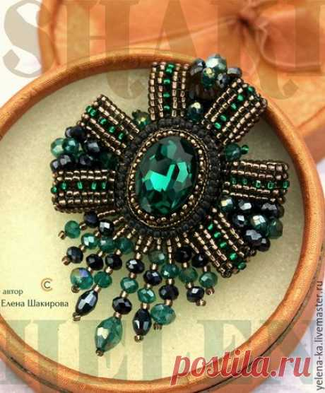 "(8) Handwork brooches. A fair of Masters - handwork. To buy ""Изумрудная"" brooch award. Handmade. Emerald, a brooch from beads 