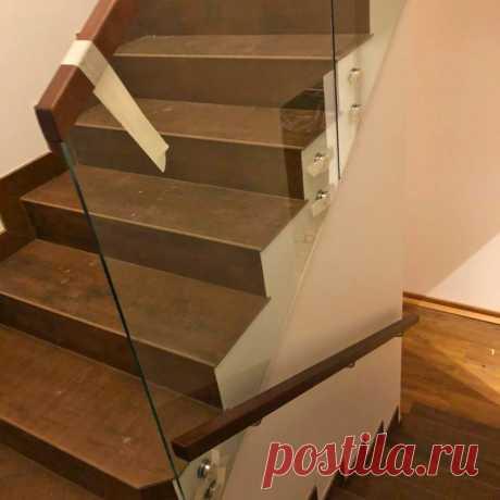 Ограждения лестницы самонесущие