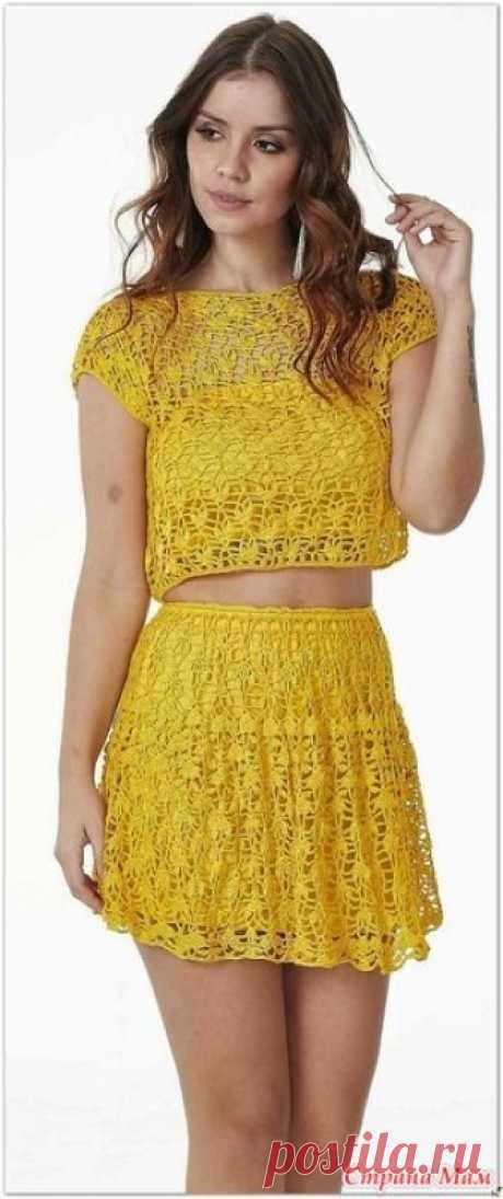 . Лимонный костюмчик из топа и мини юбки. Этот комплект из топа и миниюбки выглядит очень стильно и молодежно. Прекрасный летний наряд. https://www.liveinternet.ru/