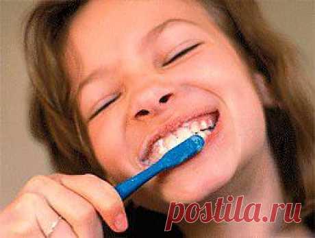 Пять домашних способов отбелить зубы | ПолонСил.ру - социальная сеть здоровья