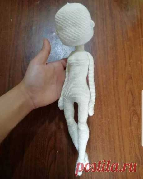 В статье «Кукла балерина крючком: сама воздушность» схемы и подробные описания по вязанию уникальных игрушек в технике амигуруми для себя или в подарок.
