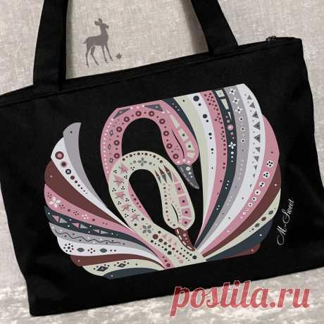 Закажите сумку по своим размерам #сумки2019 #мода2019 #модныйлук #моднаясумка #сумкароспись #росписьпоткани #сумкиназаказ #купитьсумку #красивыесумки #сумкимосква