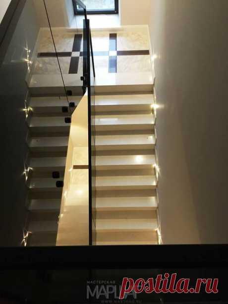 Лестницы, ограждения, перила из стекла, дерева, металла Маршаг – Стеклянные перила из черного стекла