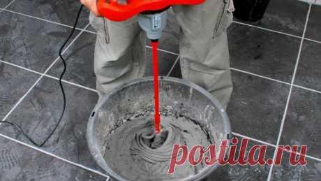 Почему нельзя доливать воду в приготовленный плиточный клей Выбор правильного клея для укладки плитки имеет первостепенное значение, так как от этого зависит долговечность и прочность плитки. Каждый пол требует специального