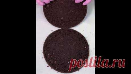 Надежный рецепт шоколадного бисквита  Получится даже у новичков! Яйцо С1 – 1 шт Сахар – 100 г Молоко – 100+100 г Какао – 30 гр: https://vk.cc/c0rypB Мука – 150 г Разрыхлитель – 6 г: https://vk.cc/c0ryVX Сода – 6 г Уксус – 10 г Растительное масло – 50 г